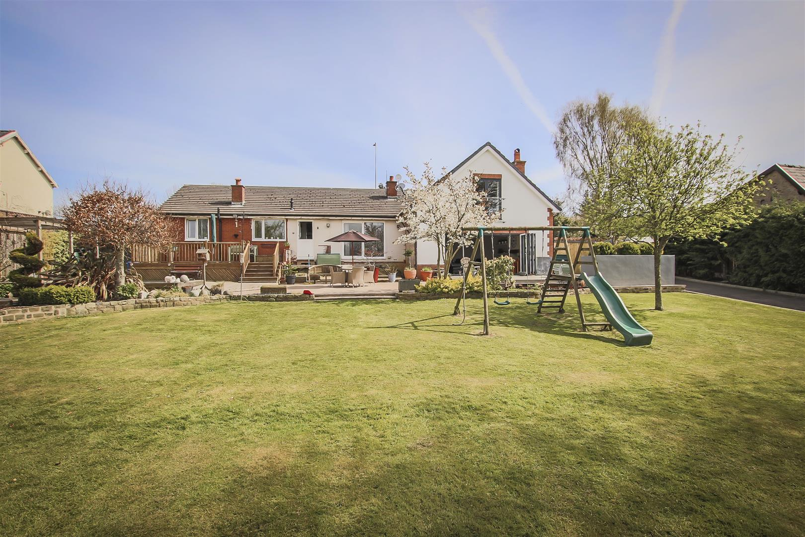 6 Bedroom House For Sale - Image 36